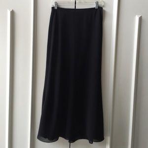 Long skirt and matching sleeveless top