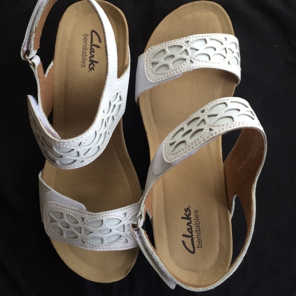 1cf8ddacc06 Clarks Shoes - Clarks Bendables New White Sandals Size 8