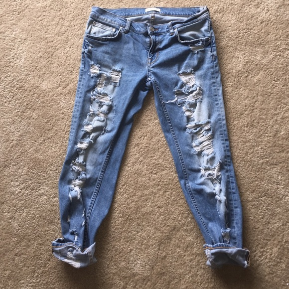 63% off Zara Denim - ZARA Distressed boyfriend jeans SIZE 6 from ...