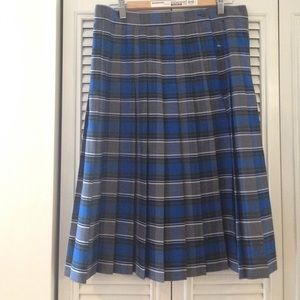 Pleated skirt. Brand new