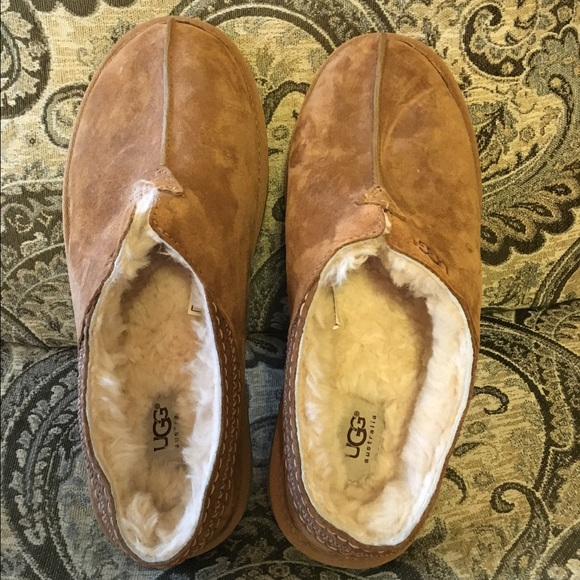 58d346f149c Men's Ugg Neuman slippers.