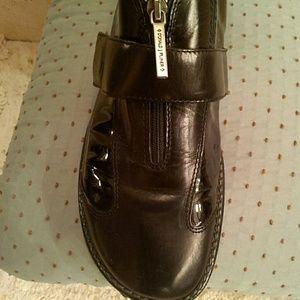 Donald J. Pliner Shoes - Donald Pliner leather walking shoes