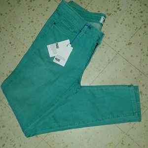 PRICE FIRM NWT Paige skinny jeans