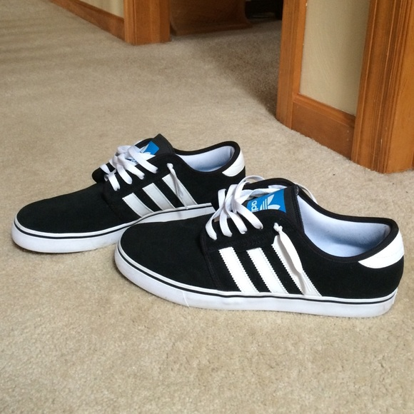 adidas 3 stripe shoes