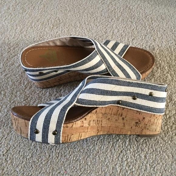 Vintage Crown Shoes 65
