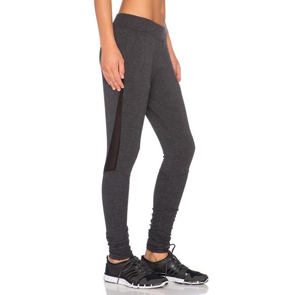 442e1033ebfa1 ALO Yoga Pants - alo yoga yen sweatpants in charcoal