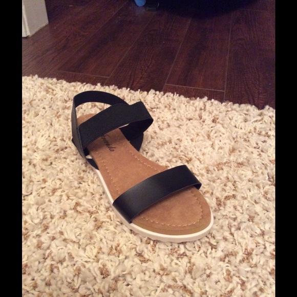 5fd0ee3898f9 Cute Black Sandals ‼️Final Price Drop‼️1 Pair