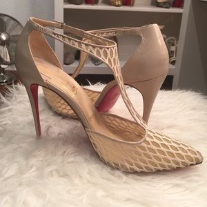 Christian Louboutin off white heels size 40.5