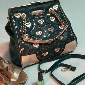 Nicole Lee Handbags - NWOT NICOLE LEE  Ulrica Heart Jewel Bag