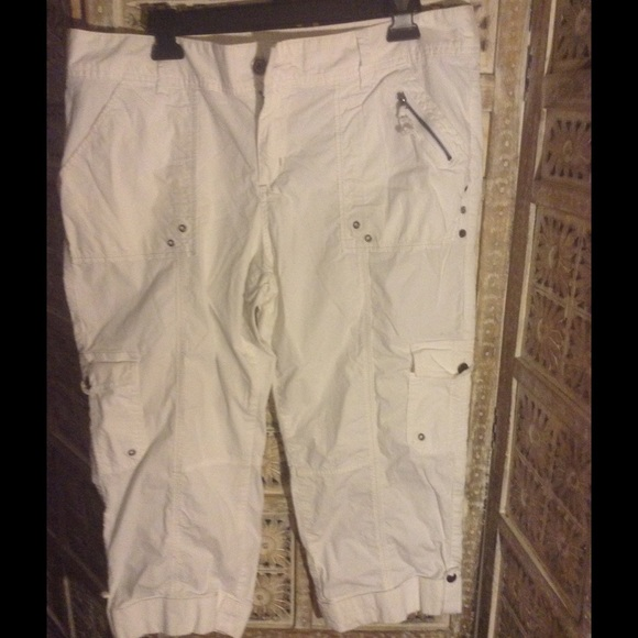 78% off Apt. 9 Pants - Apt 9 white cargo capris from Heidi's ...
