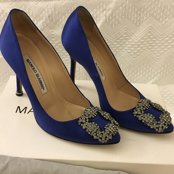 Manolo Blahnik Hangisi Jeweled satin pumps