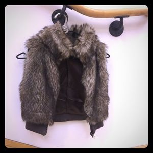 ✔️GIRLS - H&M faux fur vest