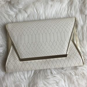 ALDO Handbags - ALDO Cream Gold Metallic Snakeskin Envelope Clutch