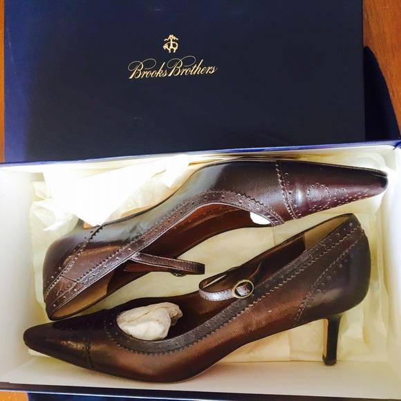 605aeb45e5c Brooks Brothers Shoes - Brooks Brothers Pointed Toe Mary Jane Heels