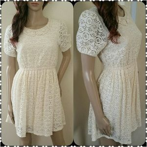 Ivory white floral lace dress short sleeve collar