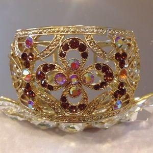 Gorgeous Gold toned bangle bracelet