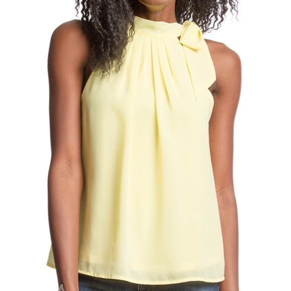 d22d817eee1f1 Sleeveless chiffon top with bow tie neck. M 56f04010c284564909000fc7