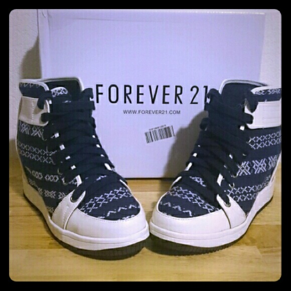 Forever 21 Shoes - NEW! GLOBETROTTER TRIBAL WEDGE SNEAKERS (F21) e25e24110