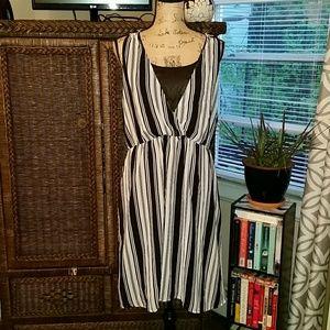 H&M Black & white striped sleeveless dress Sz. 12