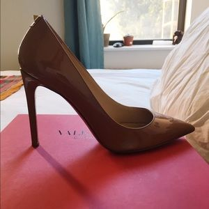 Valentino Pump with stud detail