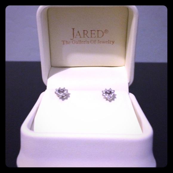 Jared Jewelry Heart Shaped Diamond Earrings Poshmark