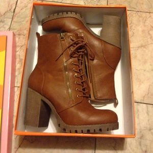 845fdfd56322 Soda Shoes - Soda Malia Vegan Ankle Boots  NEW ONLY WORN ONCE
