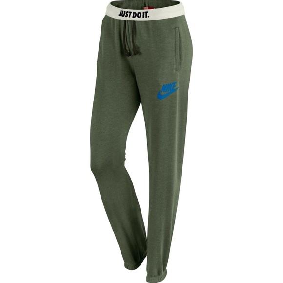 e67dfd72bf0a NWT Nike Women s Rally Loose Sweatpants
