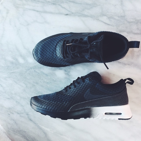Nike Air Max Thea Ombré Sneakers NWT