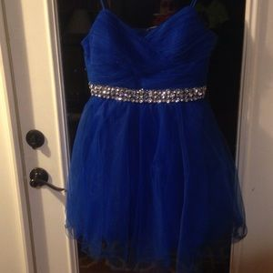 Dresses & Skirts - Jodi kristopher homecoming/ formal wear, small rip