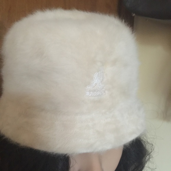 a203902cd92 Kangol Accessories - Vintage Off White Cream Angora Fur Kangol Hat