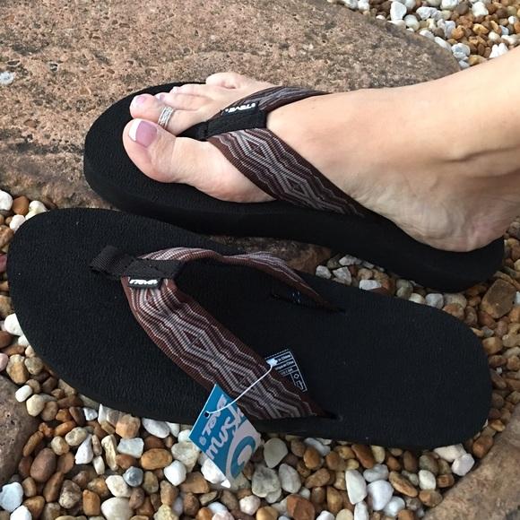 c787bd28d2bf4b NWT Teva Original Mush Sandals. M 56f0b74d7f0a05d48b006770
