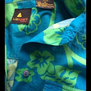 """Vintage Tops - Classic """"Roll Out of Bed"""" Hawaiian Vacation Shirt"""