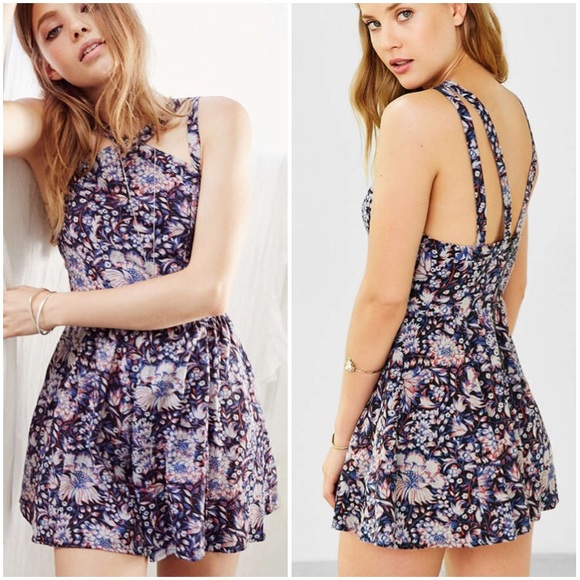 c5d3440243b Urban Outfitters Ecote Floral Romper