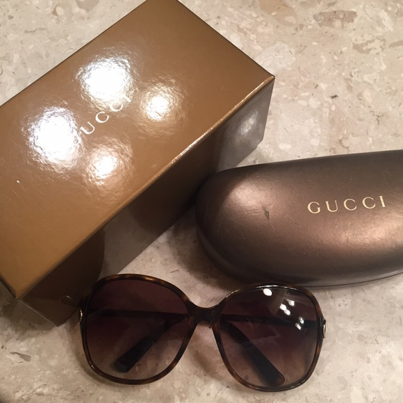 318371c32b7 Gucci Accessories - 💥🏷 CLEARANCE  - EUC AUTHENTIC Gucci sunglasses