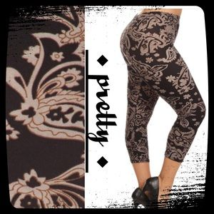 Pants - BEAUTIFUL VERSAILLES PATTERN CAPRI PLUS LEGGINGS