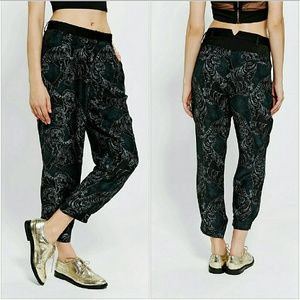 Urban Outfitters Pants - 🆕 Silence Noise Slouchy Sketchbook Pant