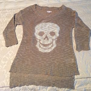 Exhilaration Sweaters - Knit top with skull design