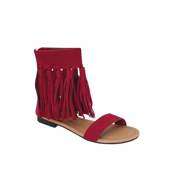 ultrachicfashion.com Shoes - Red Fringe Sandals