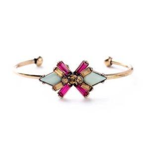 Jewelry - 👍3xHost Pick👍Elegant cuff bracelet