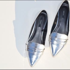 FOREVER 21 POINTY LOAFERS💥