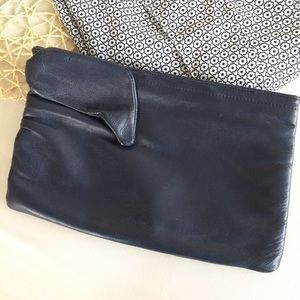 Vintage Wraparound Bow Clutch
