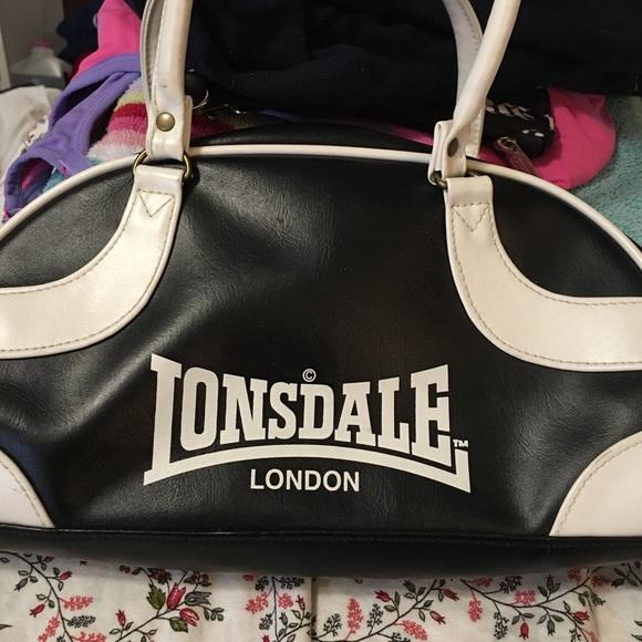 6ada8d960273 Lonsdale Handbags - Lonsdale bag bowling bag style