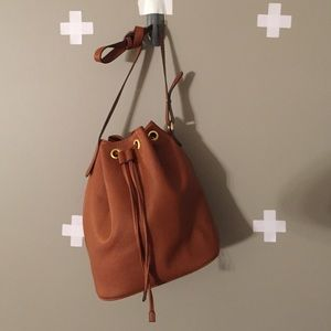 PERFECT BUCKET BAG