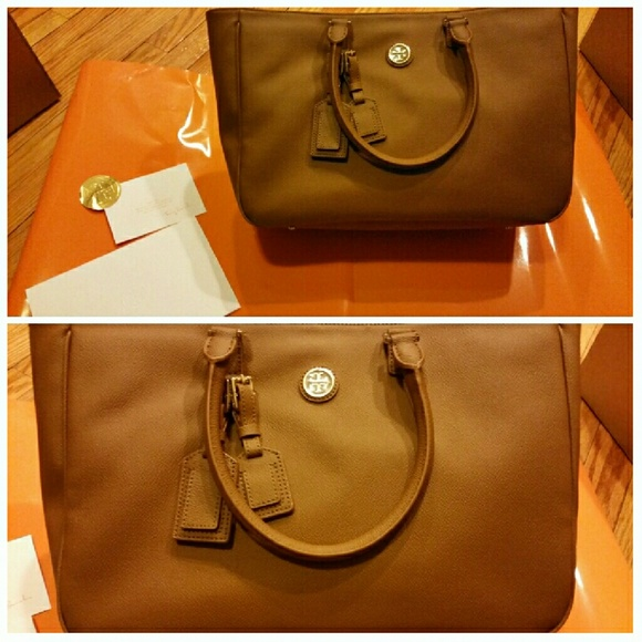 6dcaec0919f6  SALE  AUTHENTIC Tory Burch Roslyn Large Tote Bag