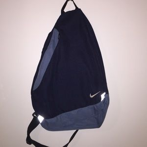 one strap backpack nike