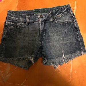 Jean shorts with ripped bottoms