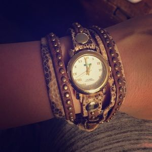 La Mer Collections Bali Stud snakeskin wrap watch