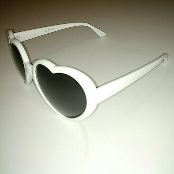 ME Accessories - Heart Shaped Sunglasses