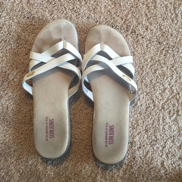 7ca67f6898bb Bass sunjuns sandals flip flops size  9.5