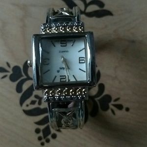 Vibram Accessories - Beautiful bangle silver and gold, pearl face watch